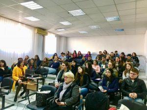 Sursă foto: Lectorat de francais de Craiova-Association Dimanche https://www.facebook.com/Lectorat-de-fran%C3%A7ais-de-Craiova-Association-Dimanche-217354871670098/